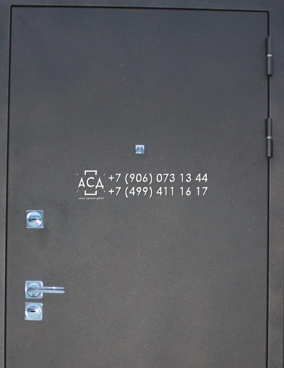 Наружные двери металлические