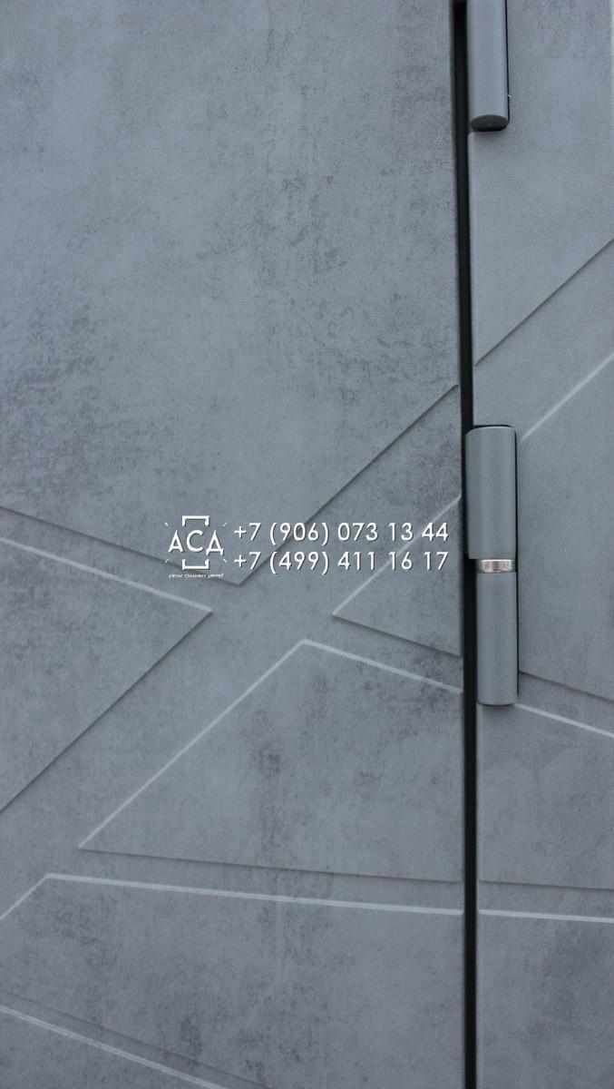 Отделка входных металлических дверей